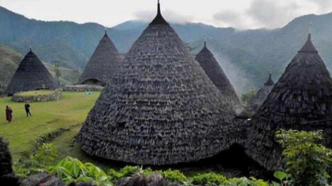 kampung unik wae rebo