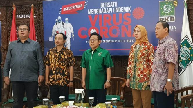 Ketum PKB sekaligus Wakil Ketua DPR Muhaimin Iskandar (tengah)