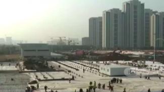 Pemerintah China mengebut pembangunan rumah sakit khusus orang-orang yang terjangkit virus corona dan segala penanganan wabah mematikan itu di kota Wuhan, provinsi Hubei.