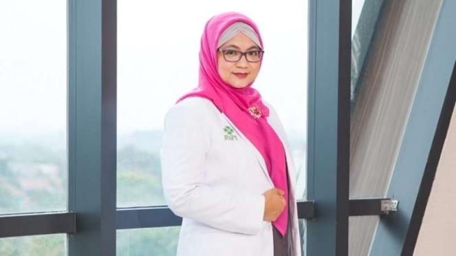 dr Feni Fitriani
