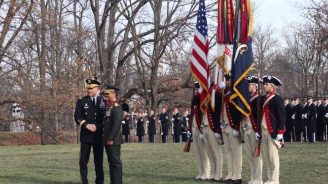Upacara Resmi Penyambutan di Whipple Field, Arlington, Amerika Serikat.