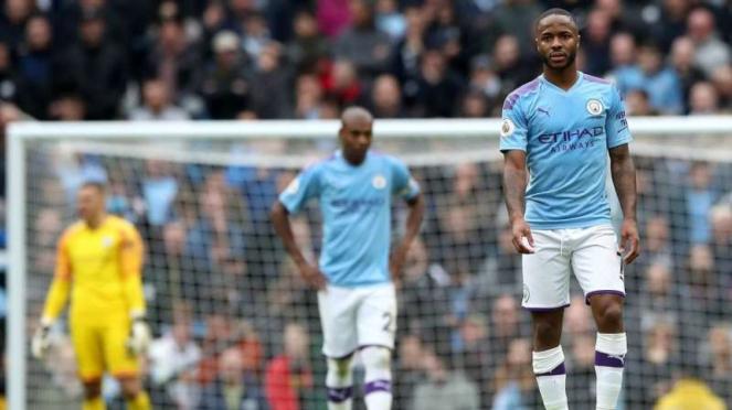 Ekspresi kecewa para bintang Manchester City, Raheem Sterling