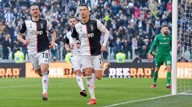 Megabintang Juventus, Cristiano Ronaldo merayakan gol