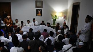 Jokowi Kenang Gus Sholah dan Penghormatan Prabowo Subianto