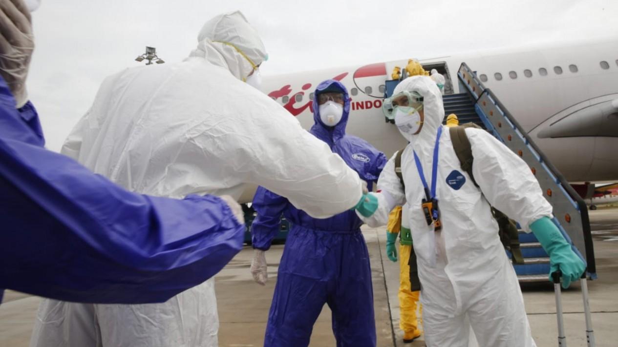 Pencegahan virus corona di bandara.