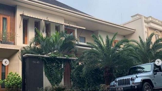 Rumah mewah Sarita Abdul Mukti