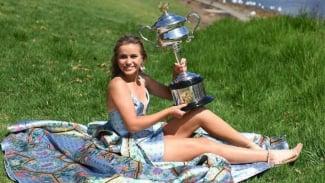 Bergaun Indah, Sofia Kenin Curhat Sukses Besarnya di Australian Open