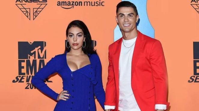 Cristiano Ronaldo bersama kekasihnya, Georgina Rodriguez