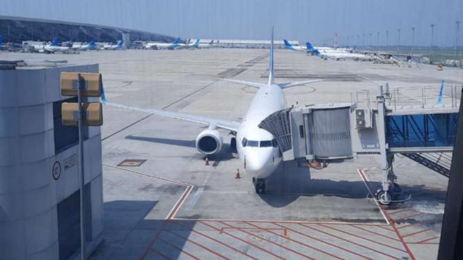 Pesawat di Bandara Soetta.