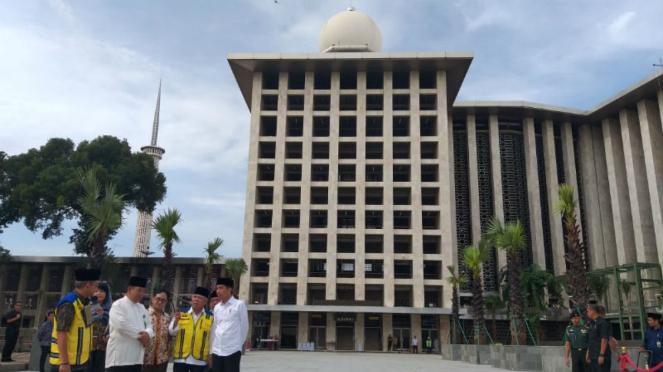 Presiden Joko Widodo melihat renovasi Masjid Istiqlal