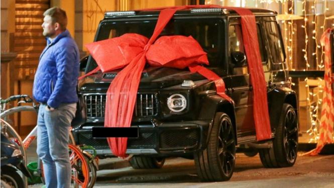 Mercedes-Benz G-Wagon Class kado ulang tahun Cristiano Ronaldo dari kekasihnya