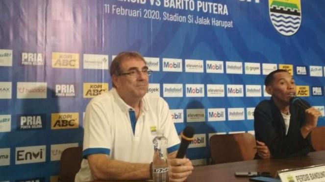 Pelatih Persib, Robert Alberts