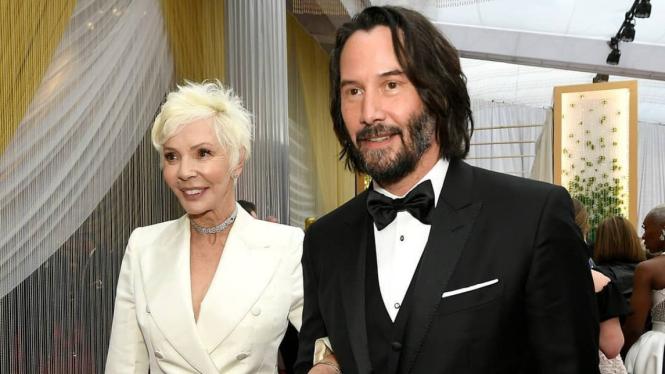 Keanu Reeves gandeng ibunda Patricia Taylor di karpet merah Oscar 2020
