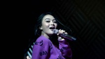 https://thumb.viva.co.id/media/frontend/thumbs3/2020/02/12/5e43fafcc2e34-wika-salim_213_120.jpg