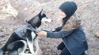 https://thumb.viva.co.id/media/frontend/thumbs3/2020/02/13/5e44ef9e26ab6-mereka-menembak-mati-anjing-peliharaan-saya-karena-saya-perempuan-kisah-perempuan-afghanistan-dan-anjing-kesayangannya_375_211.jpg