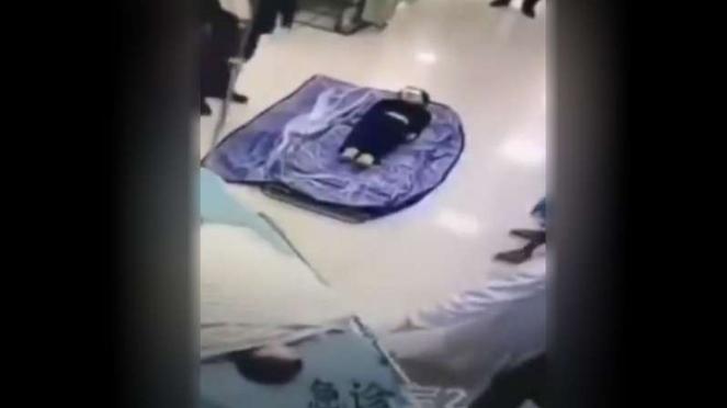 Jenazah anak kecil korban corona COVID-19 di Kota Wuhan.