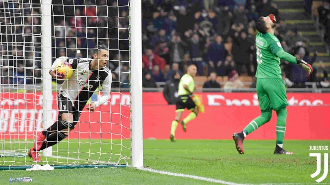 Gol penalti Cristiano Ronaldo selamatkan Juventus dari kekalahan kontra AC Milan