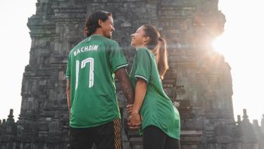 Irfan Bachdim dan Jennifer sambut Valentine day di Candi Prambanan