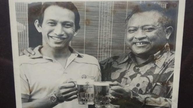 Yustedjo Tarik dan Ketua Umum PB Pelti Jonosewojo.