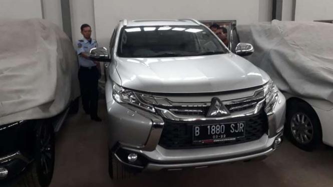 Mobil yang akan dilelang oleh KPK
