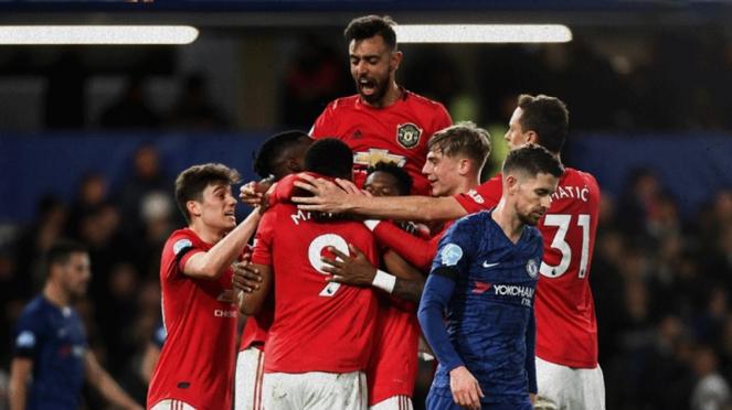 Pemain Manchester United merayakan gol ke gawang Chelsea