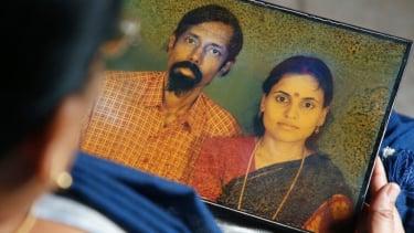 https://thumb.viva.co.id/media/frontend/thumbs3/2020/02/18/5e4b51262e653-pernikahan-tak-bahagia-yang-menyelamatkan-banyak-nyawa-di-india-hidup-telah-memberi-saya-kesempatan-kedua_375_211.jpg