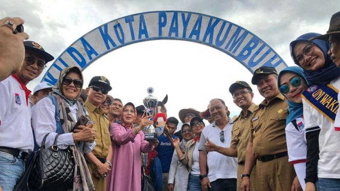 Ketum Pordasi mengunjungi liga pacuan kuda di wilayah Sumatera Barat