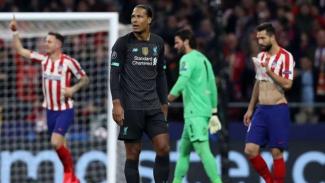 Ekspresi kecewa bek Liverpool, Virgil van Dijk, usai kalah dari Atletico Madrid