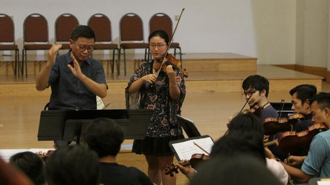 Jelang Pertunjukan Konserto Biola Malam Tchaikovsky