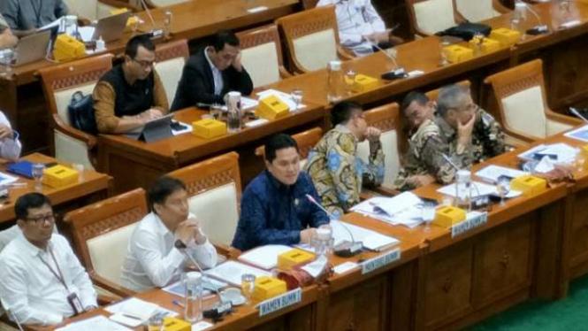 Erick Thohir rapat di Komisi VI DPR
