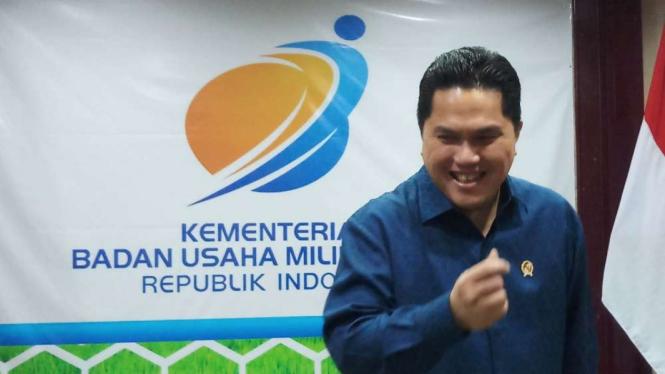 Menteri BUMN Erick Thohir, di Kantornya.