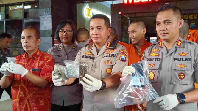 Polisi menciduk pelaku narkoba dari mahasiswa