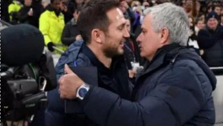 Manajer Chelsea, Frank Lampard dan Manajer Tottenham Hotspur, Jose Mourinho.
