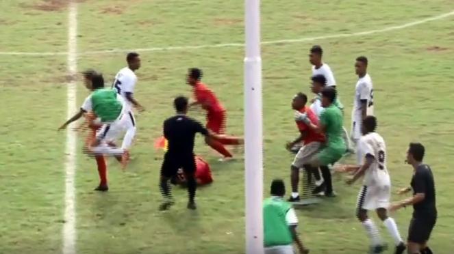 Kericuhan Piala Soeratin U-17 Jawa Timur vs NTT