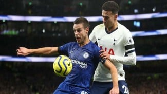 Chelsea menghadapi Tottenham