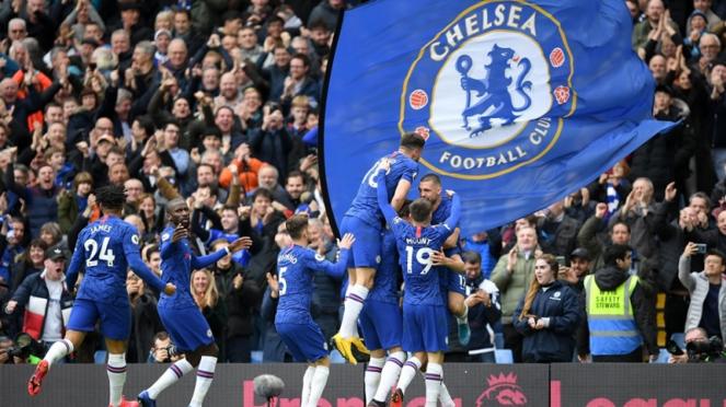 Pemain Chelsea merayakan kemenangan atas Tottenham Hotspur