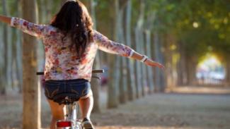 8 Manfaat Bersepeda Pagi Bagi Wanita Biar Kamu Gakv Mager Lagi
