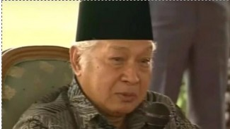 Pak Harto sebagai presiden yang paling disukai masyarakat Indonesia.