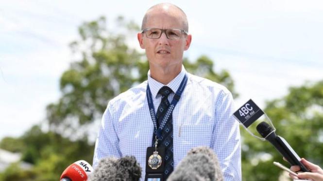Detective Inspector Mark Thompson berbicara dengan media mengenai kasus pembunuhan-bunuh diri yang ditanganinya.