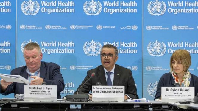 Direktur Jenderal Badan Kesehatan Dunia alias WHO, Dr. Tedros Adhanom Ghebreyes (tengah).