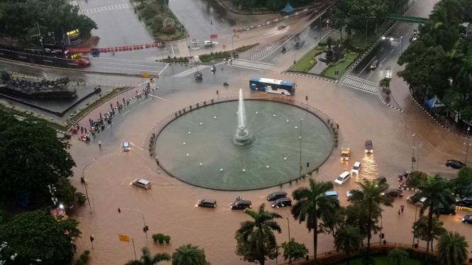 Banjir Menggenangi Beberapa Wilayah di Jakarta