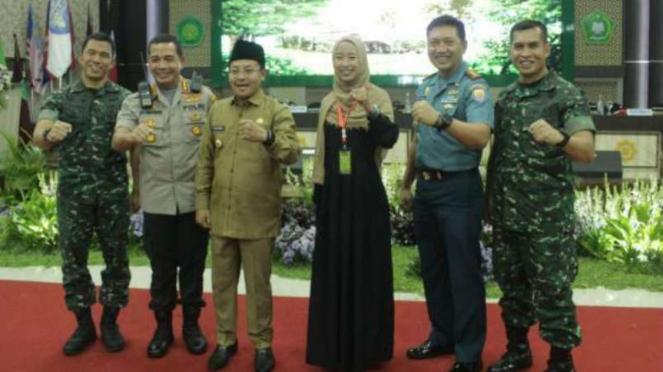 Kolonel Armed Didik Harmono saat foto bersama di UIN Malang (paling kanan).