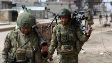 https://thumb.viva.co.id/media/frontend/thumbs3/2020/02/26/5e55f7b54dc0b-serangan-di-idlib-akibatkan-sembilan-anak-anak-tewas-turki-bersiap-lancarkan-operasi_375_211.jpg
