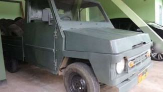 Mobil tua milik TNI di Kodim 0702/Purbalingga