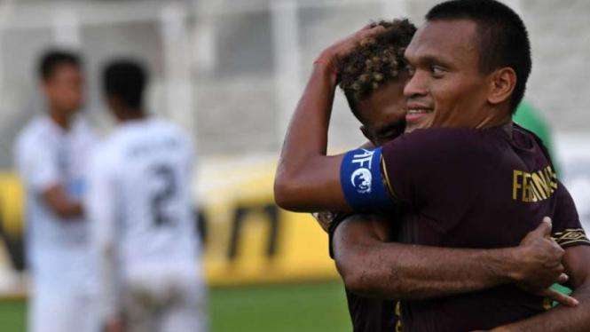 Pemain PSM Makassar rayakan gol di Piala AFC.