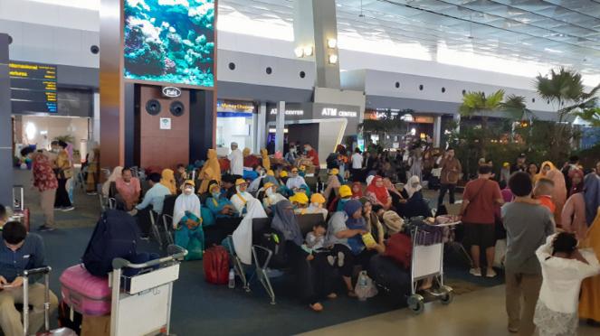 Pencegahan Wabah Corona di Arab, Jemaah Calon Umroh Diturunkan Dari Pesawat