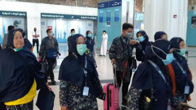 Jemaah umrah Indonesia mendarat di Arab Saudi