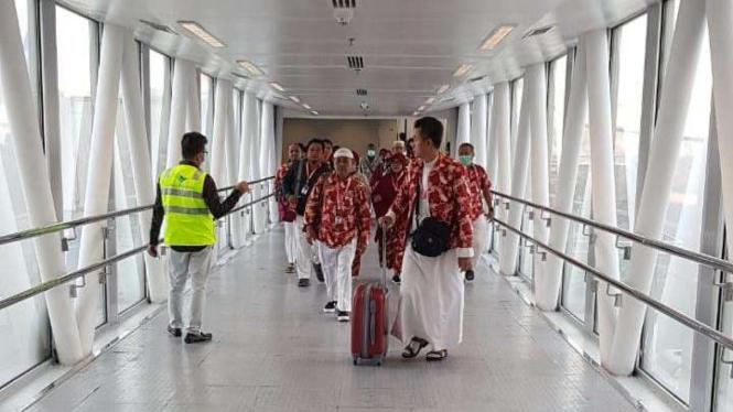 7 Penerbangan Jemaah Umrah Indonesia Mendarat di Arab Saudi