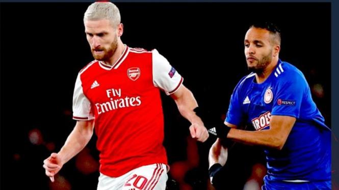 Shkodran Mustafi saat Arsenal vs Olympiacos Piraeus