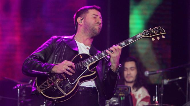 Penyanyi dan penulis lagu, Bruno Major tampil menghibur penonton Java Jazz Festival 2020 di JIExpo Kemayoran, Jakarta, Jumat 28 Februari 2020